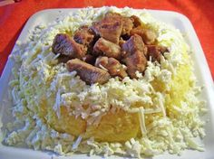 Tochitura moldoveneasca for receipe ( bucataras. Romanian Food, Cooking Ideas, Dishes, Kitchens, Tablewares, Flatware, Tableware, Cutlery, Plates
