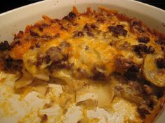Casserole Recipes With Ground Beef Potatoes And Cheese Cheesy Ground Beef And Potato Casserole With A Blast, Cheesy Ground Beef And Potato Casserole Kitchme, Posed Perfection Hamburger Potato Casserole, Hamburger Potato Casserole, Hamburger In Crockpot, Hamburger And Potatoes, Hamburger Dishes, Potatoe Casserole Recipes, Beef Casserole, Beef Dishes, Food Dishes, Main Dishes