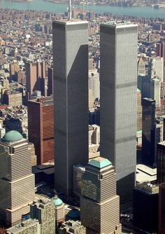 World Trade Center Attack . World Trade Center World Trade Center Attack 1993 . World Trade Center Attack bombing. World Trade Cen. One World Trade Center, Trade Centre, Photographie New York, New York City, 11 September 2001, Ville New York, Malta Island, Ellis Island, City That Never Sleeps