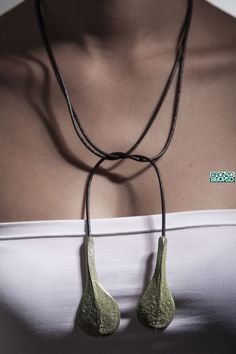 """""""Colgante Bejeque"""" Reproducción de hoja de verode (aeonium canariense) una planta suculenta de origen canario y cuyas hojas forman una roseta."""