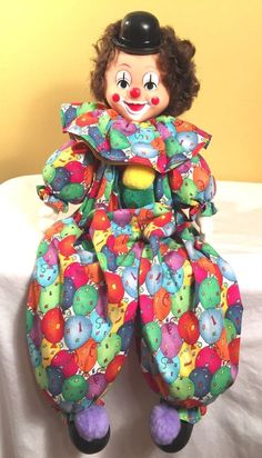 Vintage RARE Sitting Clown on A Shelf Colorful Ballon Clothing Great Condition A Shelf, Shelves, The Elf, Colorful, Christmas Ornaments, Games, Toys, Holiday Decor, Clothing