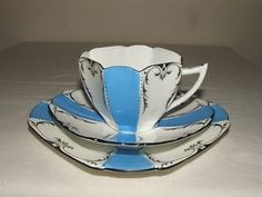 SHELLEY ART DECO QUEEN ANNE BLUE & WHITE PANELS TEA TRIO TRULY STUNNING