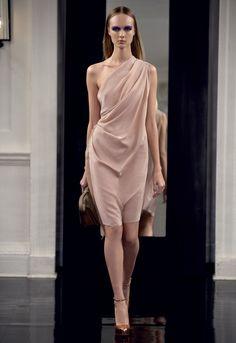 Such an elegant dress by Victoria Beckham... xoxo, k2obykarenko.com