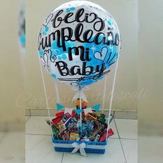 Candy Bouquet Diy, Diy Bouquet, Balloon Bouquet, Chocolate Flowers Bouquet, Surprise Box, Printed Balloons, Famous Women, Birthday Party Decorations, Valentine Gifts