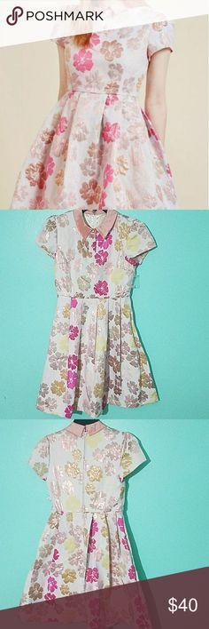Modcloth Midi Dress Very Elegant dress. Beautiful flowers and hidden pockets. Brand New. Never Worn Modcloth Dresses Midi