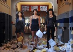 (L-R): Jessica Parker Kennedy as Melissa, Shelley Hennig as Diana, and Phoebe Tonkin as Faye in The Secret Circle