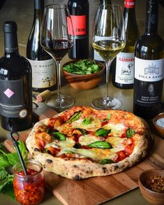 I have two important pizza related questions for you tonight: 1) Do you like your basil, baked on the pizza, sprinkled on fresh before serving or a combination of both? 2) Do you prefer red wine or white wine with pizza? White Wine, Red Wine, Vegetable Pizza, Basil, Fresh, This Or That Questions, Nook, Recipes, Instagram