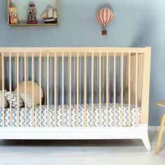 Love the 50's inspired styling of this cot bed!