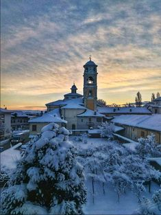 This morning my mum sent me this shot from my hometown in Northern Italy. Well done mamma! Awsome Pictures, Funny Pictures, Christmas Scenery, Northern Italy, Shots, Funny Memes, Interesting Quotes, Humor Videos, Daily Funny