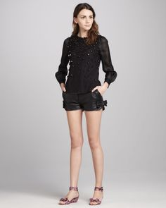 http://ncrni.com/red-valentino-floralbeaded-top-bowdetailed-leather-shorts-p-6941.html