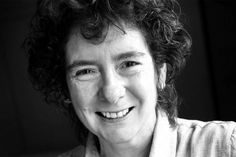 """""""Un tempo ero…"""": il bellissimo passo della scrittrice Jeanette Winterson Jeanette Winterson, Persona, Gay, Lettering, Blog, Writers, Step By Step, Pictures, Quotes"""