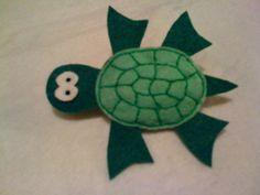 Broche de fieltro tortuga. Hecho a mano. por BellyPork en Etsy, €5.00