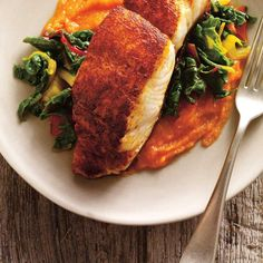 Ricardo& recipe: seared spiced fish with carrot purée. Dog Recipes, Fish Recipes, Seafood Recipes, Carrot Puree Recipe, Pureed Food Recipes, Cooking Recipes, Healthy Dinner Recipes, Healthy Snacks, Eating Healthy