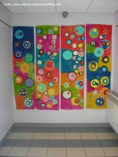Panneaux verticaux fantastiques en maternelle après un travail sur les ronds