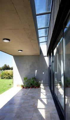 Casa JG / Speziale Linares Arquitectos