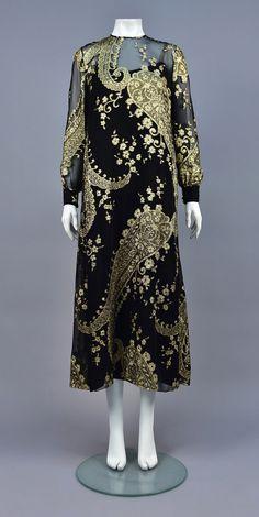 355fc2a50b2 1970s Evening dress by Molly Parnis. 👗 Silk Chiffon, Black Silk, Evening  Dresses