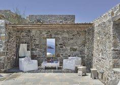 Une maison de rêve sur une île des Cyclades, en Grèce. Plus de photos sur Côté Maison : http://petitlien.fr/89ec