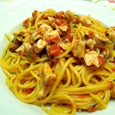 Spaghetti-con-sugo-di-pesci