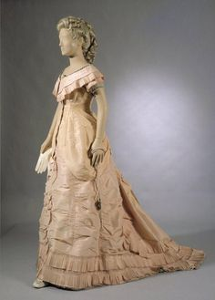 fashionsfromhistory:  Evening Dress 1880s National Museum of...