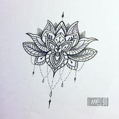 Mandala Tattoo Shoulder, Lotus Mandala Tattoo, Lotus Flower Tattoo Design, Tattoos Mandala, Vine Tattoos, Tattoos Geometric, Flower Tattoo Arm, Arm Tattoos, Tattos