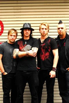 three days grace!  I hate everything about you is one of my favorite songs ever!