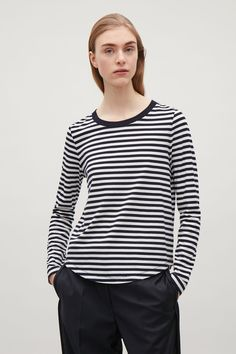 COS Long-sleeve cotton t-shirt in Navy