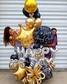 Les ha pasado que en fechas importantes con su pareja se regalan lo mismo? 😂 Esta vez fue la excepción, no sólo por el regalo único sino… Balloon Arrangements, Balloon Centerpieces, Balloon Decorations, Birthday Decorations, Birthday Balloons, Birthday Fun, Birthday Parties, Balloons And More, Number Balloons