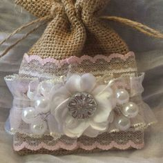 shabby chic burlap crafts | Shabby chic burlap bag