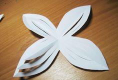 christmas craft ideas: paper snowflake flower tutorial - crafts ideas - crafts for kids Paper Snowflakes Easy, Diy Christmas Snowflakes, Christmas Paper, Christmas Crafts, Diy Arts And Crafts, Cute Crafts, Crafts To Do, Crafts For Kids, Paper Crafts