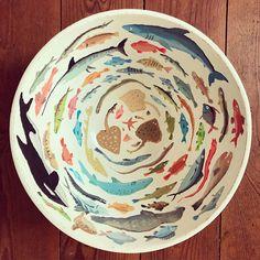 I made a fish bowl 🐡 – – Handwerk und Basteln Ceramic Painting, Ceramic Art, Gouache Painting, Pottery Painting Ideas, Painted Ceramics, Artist Painting, White Ceramics, Ceramic Bowls, Ceramic Pottery