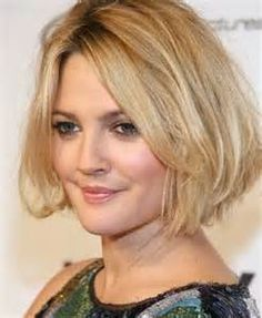 Best Hairstyle For Round Face Interesting Hairstyles To Make Fat Faces Slimmer  The Right Cut For A Round