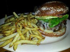 Our favorite burgers - The Smith NYC National Cheeseburger Day, Wonderful Things, Burgers, Hamburger, Turkey, Veggies, Ethnic Recipes, Food, Hamburgers