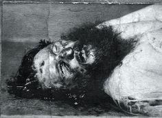 Raspoetin werd vermoord door Russische edelen onder leiding van Prins Felix Joesoepov. Hij werd uitgenodigd op het feestje van Joesoepov en werd een gebakje toegedient waar super veel vergif in zat. Het werkte niet en dus hadden ze besloten om hem neer te schieten die na 4 kogels pas effect had en werd vermoord. 1916.