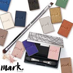 mark. By Avon Clique It Compact | AVON