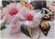 Think I'll add fabric and make cuter! Such a Pretty Mess: Bloom Tutorial done with Websters Pages Netting & Whimsies! Tulle Flowers, Felt Flowers, Diy Flowers, Fabric Flowers, Zipper Flowers, Material Flowers, Chiffon Flowers, Wedding Flowers, Ribbon Crafts