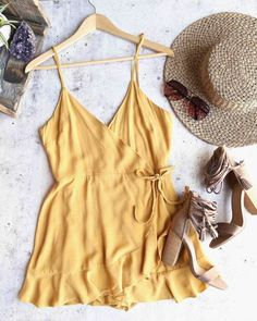 Honey belle - soft rayon wrap dress - gold - honey belle – soft rayon wrap dress – gold – shophearts Source by managerinternat - Casual Dresses, Casual Outfits, Cute Outfits, Fashion Outfits, Summer Wedding Outfits, Spring Outfits, Summer Outfits Boho Indie, Lemy Beauty, Vintage Inspiriert