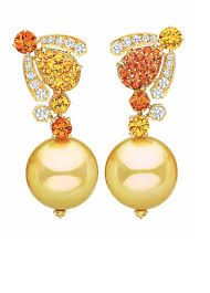 "Chaumet ""Bee my Love"" earrings High Jewelry, Pearl Jewelry, Vintage Jewelry, Jewellery, Lotus Jewelry, Chaumet, Rare Gems, Jewelry Companies, Sweet Life"