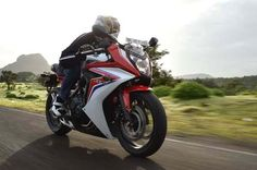 After an initial eyes-on approach, here's a more detailed hands-on review of Honda's long awaited CBR 650F.