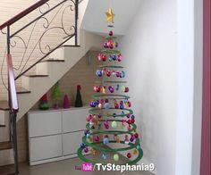 L'albero di Natale è, con la tradizione del presepe, una delle più diffuse usanze natalizie. Si tratta in genere di un abete (o altra conifera sempreverde)