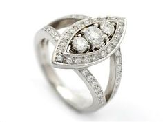 Very cool and beautiful ring.  Kaplans Auktioner