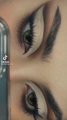Dope Makeup, Edgy Makeup, Makeup Eye Looks, Grunge Makeup, Eye Makeup Art, Pretty Makeup, Skin Makeup, Eyeshadow Makeup, Makeup Inspo