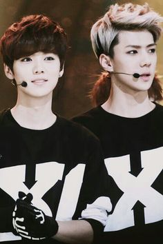HunHan sehun and luhan exo xoxo love is in the air Luhan Exo, Kpop Exo, Chanyeol Baekhyun, Chanbaek, Kaisoo, U Kiss, Block B, Kris Wu, Vixx