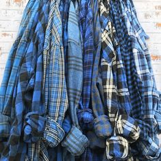 TRUE BLUE Mismatched Bridesmaid Flannels, flannel shirts for getting ready, blue plaid button down bridesmaids shirt, alt bridal party robe Outfits Con Camisa, Plaid Shirt Outfits, Flannel Shirts, Bridal Party Robes, Bridal Parties, Blackpink Fashion, Fashion Outfits, Chambray, Bridesmaid Shirts