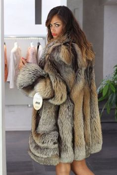 Elsa in Cross fox fur coat Leopard Fur Coat, Red Leopard, Fox Fur Coat, Fur Coats, Fur Fashion, Winter Fashion, Womens Fashion, Fabulous Furs, Fur Jacket