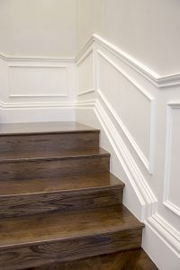 Intrim provided timber mouldings to create a classic hamptons style interior including skirting, architraves & mouldings to complete this flawless interior. Timber Mouldings, Timber Panelling, Moldings And Trim, Wall Panelling, Timber Flooring, Die Hamptons, Hamptons Style Homes, Estilo Hampton, Stair Paneling