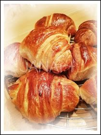 ...svet okolo mňa ...: Domáce maslové croissanty z lievito madre... Ciabatta, Pizza, Bread, Food, Basket, Brot, Essen, Baking, Meals