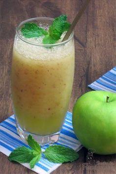Os sucos verdes são refrescantes e saborosos, além de uma boa fonte de fluido para hidratação. Este suco desintoxicante de couve é uma variação diferente de um suco verde clássico que pode incluir pepino...