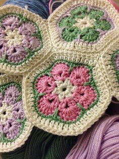 Ravelry: yarnroundhook's African flower hotpad