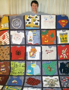 3 Ways to Make a Memory Quilt from Baby Clothes - Baby Clothes Crafts , 3 Ways to Make a Memory Quilt from Baby Clothes 3 Ways to Make a Memory Quilt from Baby Clothes - Quilting Digest baby. Quilt Baby, Onesie Quilt, Baby Memory Quilt, Memory Quilts, Memory Pillows, Baby Clothes Blanket, Old Baby Clothes, Quilts From Baby Clothes, Colchas Quilting