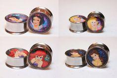Disney Princess Plugs - Snow White, Ariel, Sleeping Beauty, & Belle omg I wanna stretch my ears now :P Cute Jewelry, Body Jewelry, Unique Jewelry, Gauges Plugs, Fake Plugs, Tunnels And Plugs, Disney Jewelry, Stretched Ears, Piercing Tattoo